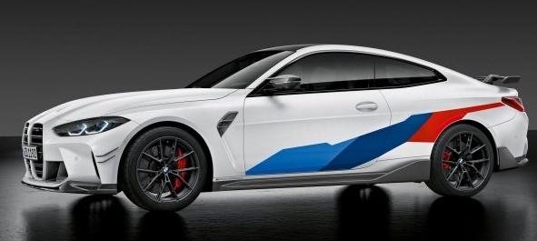 全新的宝马M3和M4带有M Performance车身套件