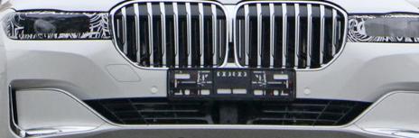 在2020年宝马7系进行了中周期整车