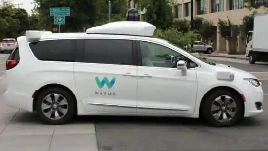 Waymo在美国亚利桑那州向公众开放无人驾驶出租车服务