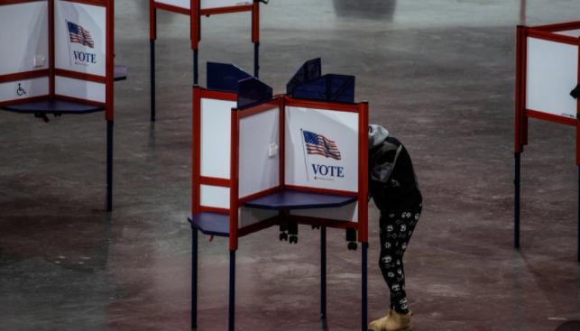 选举安全专家与特朗普的投票要求相反