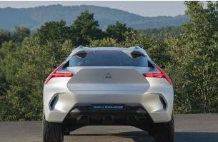 三菱E Evolution电动性能SUV呈现清晰的外观