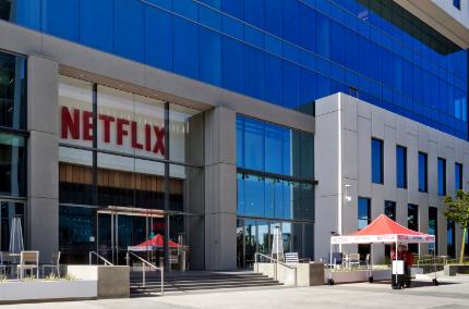 Netflix对第四季度的收益感到不满但订户的增长好于预期