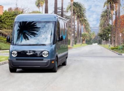来自Rivian的亚马逊电动卡车开始在洛杉矶运送货物