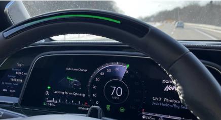 GM增强型超级巡航点评免提驾驶增加了自动换道