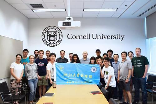 MIPT工程技术中心和大学应用数学与信息学学院教授油气田建模硕士课程