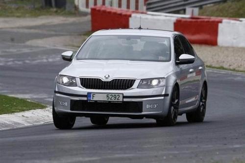 斯柯达明锐vRS245在日内瓦车展上以242bhp爆破