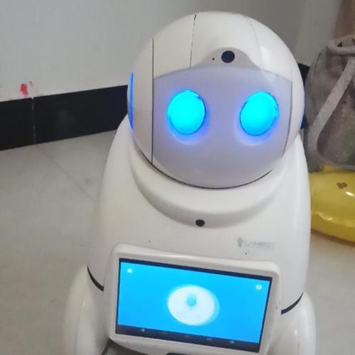 爱乐优机器人创新科技打开全脑启智之门