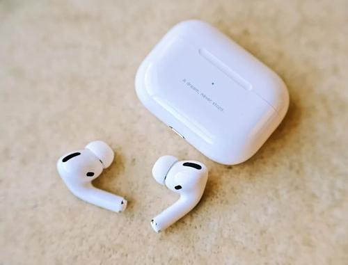 苹果现在正在其网上商店出售独立的AirPodsMax耳垫