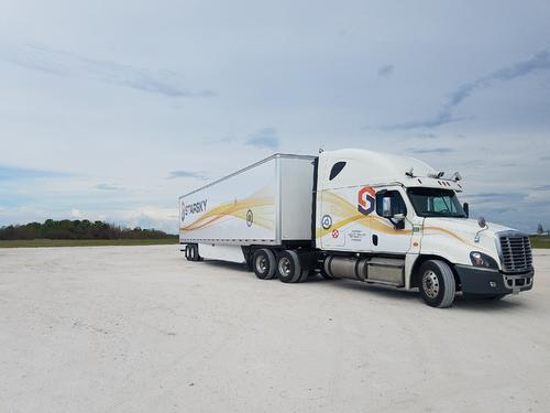 StarskyRobotics开始定期使用无人驾驶卡车运送商业货物