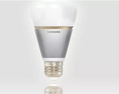 三星通过支持蓝牙的LED灯泡进入智能照明游戏