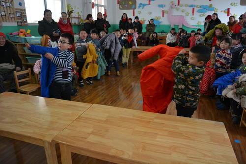 足球发展基金会将委托第三方对各幼儿园组织教学活动的情况及效果