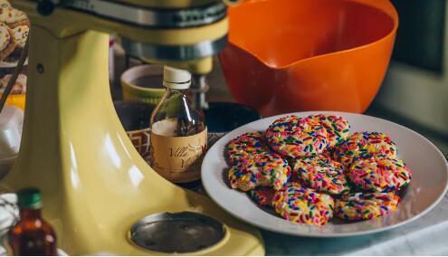 KitchenAid的新型无绳搅拌机和搅拌机为您提供漫游的空间
