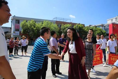 遂川中学将红色文化融入到教学改革研究工作中