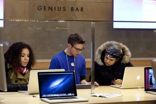 包括将您的产品带到离您最近的AppleStore的GeniusBar