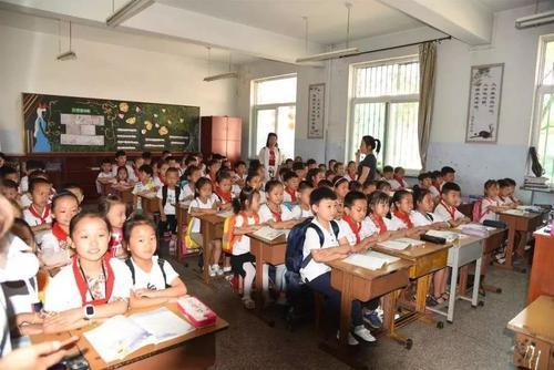 为每一所公办义务教育学校合理划定招生片区范围