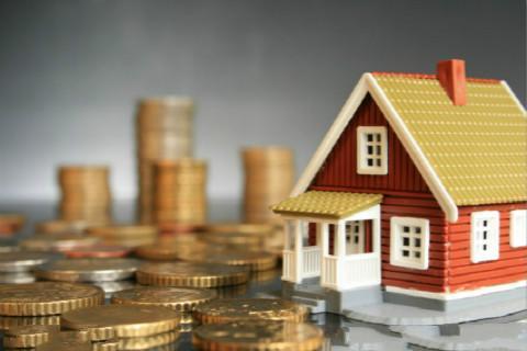 为防止房地产市场投机炒作和摆脱经济发展对房地产业过度依赖