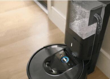 神奇的新Roomba可自行清空垃圾箱