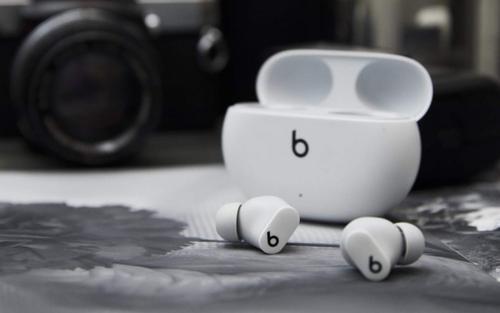 苹果旗下的Beats刚刚推出了BeatsStudioBuds