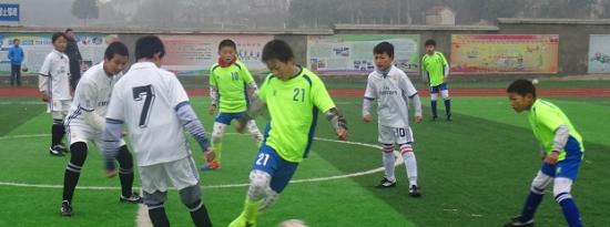 本次交流活动的重头戏之一是男子足球交流赛