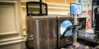 在CES上展示Kenmore的智能洗衣机和烘干机