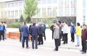 内蒙古教育厅组建了由学科教师教育理论专家和教研员组成的监测团