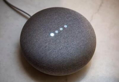 谷歌HomeMini正式上市采用亚马逊的EchoDot
