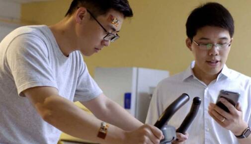 加州理工学院发明可穿戴传感器分析汗液中引起痛风的化合物