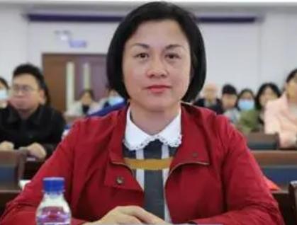 广西开放大学主动承担起新时代家庭家教家风建设的社会责任