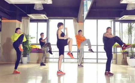 中国科学院大学青岛附属学校暑期开设的塑形减脂训练营