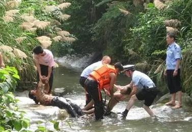 广大家长要加强对子女在放学后节假日等溺水事件易发期安全的监管