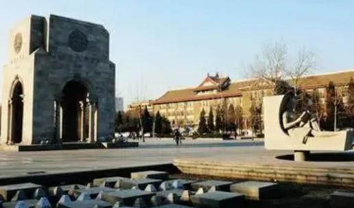 杨楠今年刚刚考取天津大学建工学院土木水利专业的博士研究生