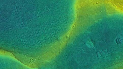 芝加哥大学研究表明汹涌的河流在火星上流动了十亿多年