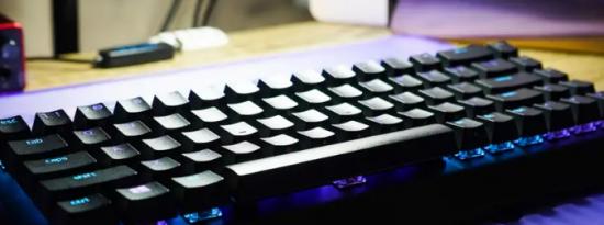 Razer美丽的BlackWidowV3Mini展示了紧凑型无线键盘的局限性