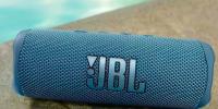 JBL推出了大量新耳机和耳塞以及Flip6扬声器