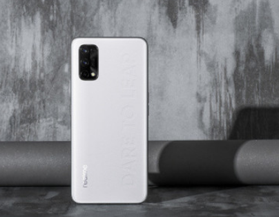 realme真我Q2系列将是realme首款素皮手机
